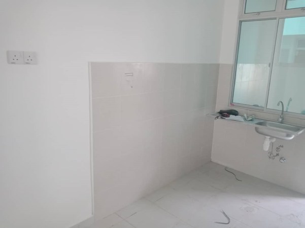Aluminium Kitchen Cabinet Taman Pulai Mutiara (BEFORE)