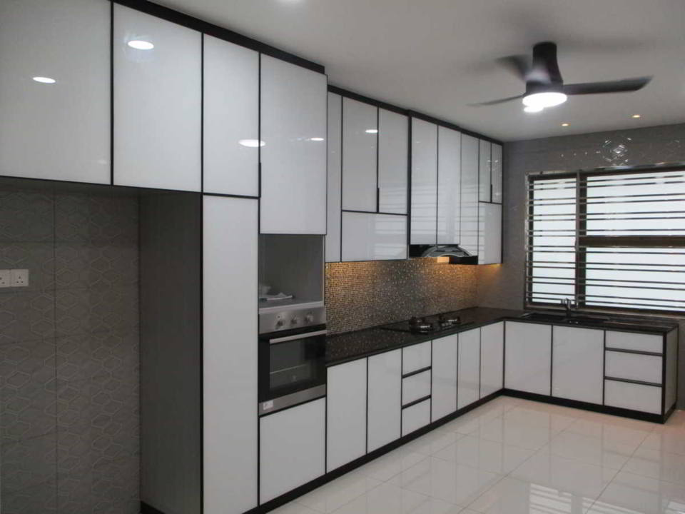 Aluminium kitchen cabinet what you should know how what - Kitchen built in cupboards designs ...